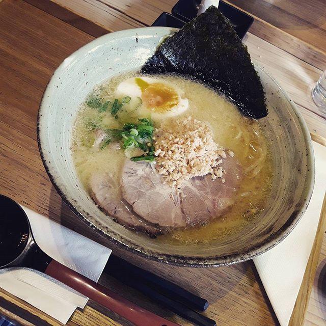 #ラーメン #昼ごはん #料理 #日本の味 #日本料理 #日本文化 #のり #卵 #肉 #箸 #美味しい #木曜日 #夏 #夏休み #ポーランド #レストラン #うきうき#学生 #ramen #delicious #love #egg #nori #japanesestudent #japaneseculture #dinnertime #dinner #summer #ukiuki