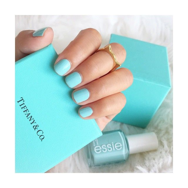 Essie Blossom Dandy nails matches Tiffany & Co packing ( which is why I bought it 4.20.15)