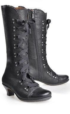 victorian inspired lace up booties <3