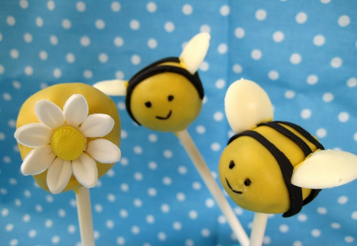 Bubble and Sweet: Bee cake pops