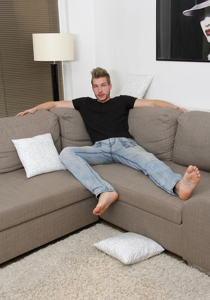 I love male feet male feet barefoot men male