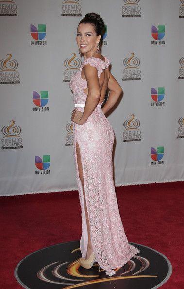 Elizabeth Gutierrez - Premio Lo Nuestro a La Musica Latina - Arrivals