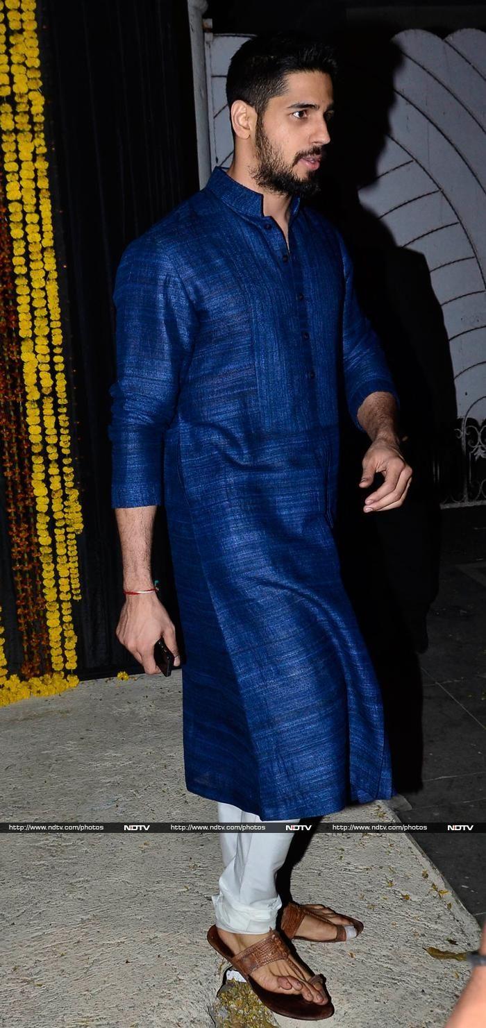 Sidharth Malhotra at Bachchans Diwali Party