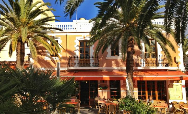 """Royalty 