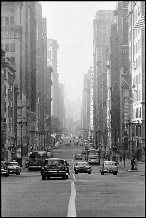 New York City, 1961 © Constantine Manos
