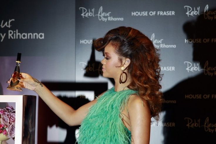 Rihanna Reb'l Fleur: Парфюмите на знаменитостите   Ливанто БГ