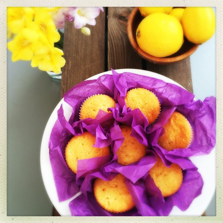 Lemon drizzle cupcakes, these cakes are just super sweet and taste so good - lovely for adding to a little traditional Afternoon Tea alongside some freshly baked scones and finger sandwiches. So easy to make too and fab little bake.  | Daisies & Pie