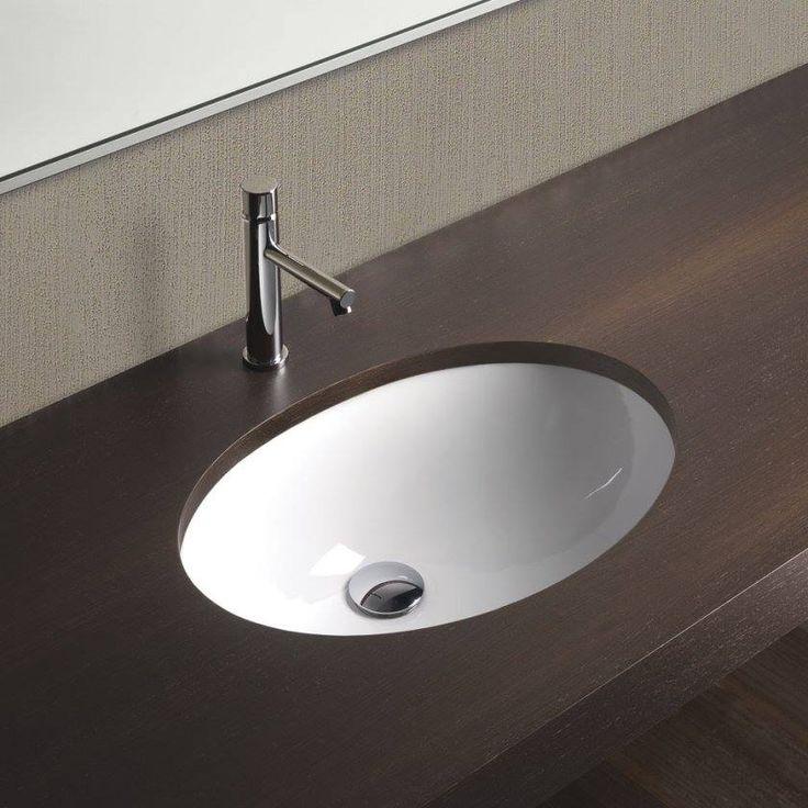 Ένα μπάνιο με minimal αισθητική και εργονομικό σχεδιασμό.