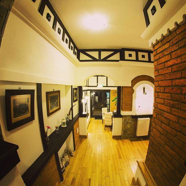 #interior #mansion #details #conaculbratescu #conacromanesc #bratescu #bran #brasov #boutiquehotel #romania #travelromania #visitromania #instatravel #transylvania #lovetransylvania #interiordesign #boutique