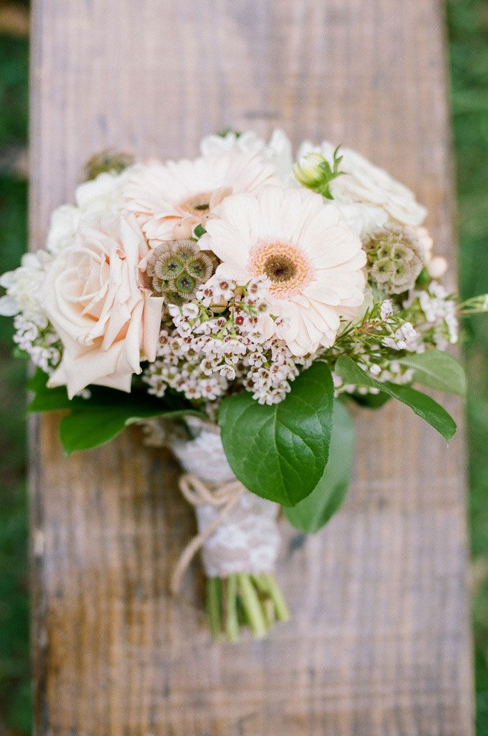 The Bride's Beautiful Bouquet. Photography by Jenna Henderson #bouquet