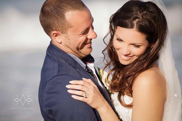 byron-bay-figtree-wedding-venue-belongil-beach-romantic-photos