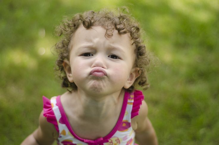 Kissy Face Child Photography. Fish lips | Erin Hall Photography