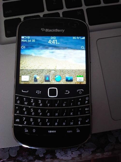 22 best blackberry bold 9900 images on pinterest blackberry bold blackberry bold 9900 chic reheart Choice Image