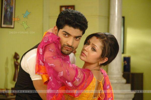 Drashti Dhami & Gurmeet Choudhary