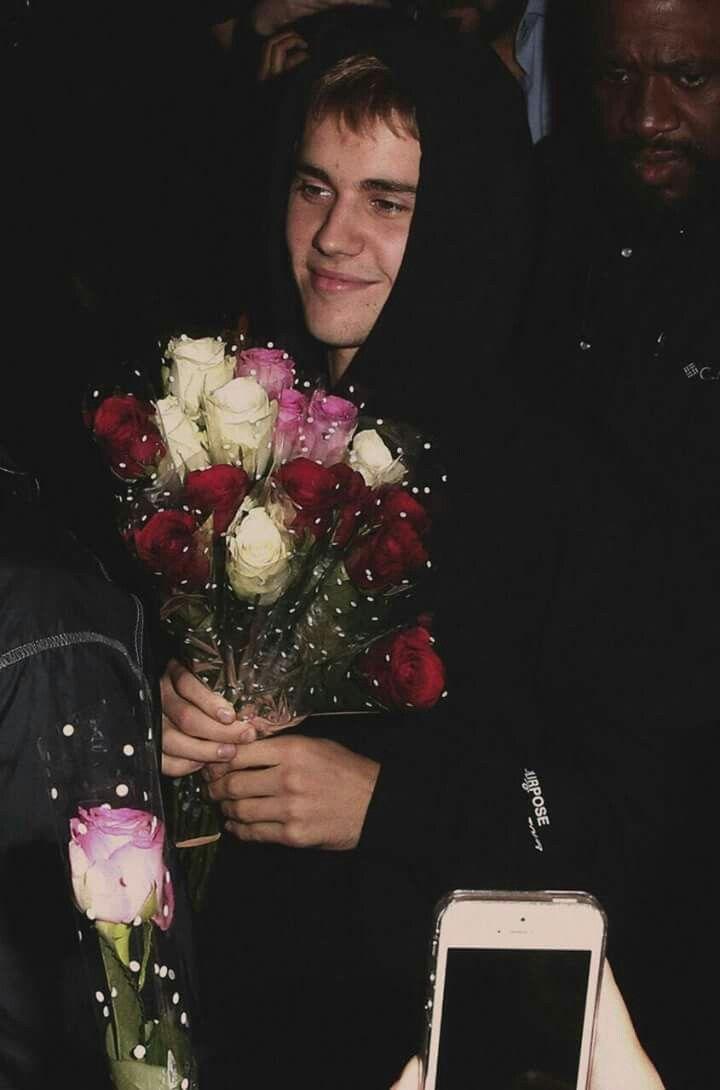 Meu Deus se eu ganhase uma flor dele eu desmaiava na hora!♡