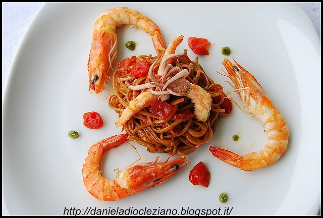 http://danieladiocleziano.blogspot.it/2012/05/tagliolino-alla-liquirizia-che-profuma.html