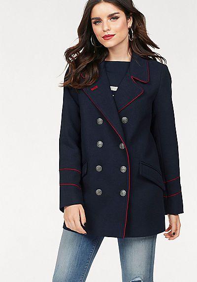 """Die doppelreihige Cabanjacke """"Darleen"""" von ONLY überzeugt mit robuster, wärmender Qualität, in leicht taillierter Form. Rote Zierpaspel und Knöpfe perfektionieren den Uniform-Look!"""