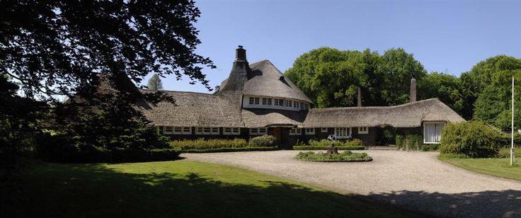 Land hugs 't Reigersnest, Oostvoorne, architected
