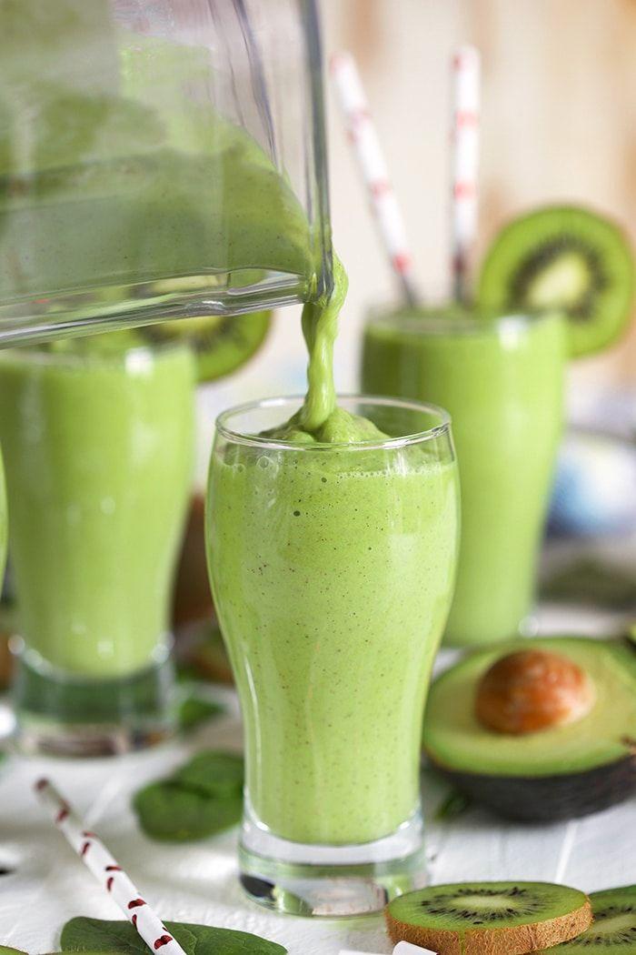 Kiwi Pineapple Spinach Smoothie