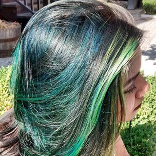 Beautiful green and blue! #kimberlystyleshair #hairinspo #torontohair #toronto #yorkvillehair #oggisalon #kimberlystylesoggisalon #greenhair #bluehair
