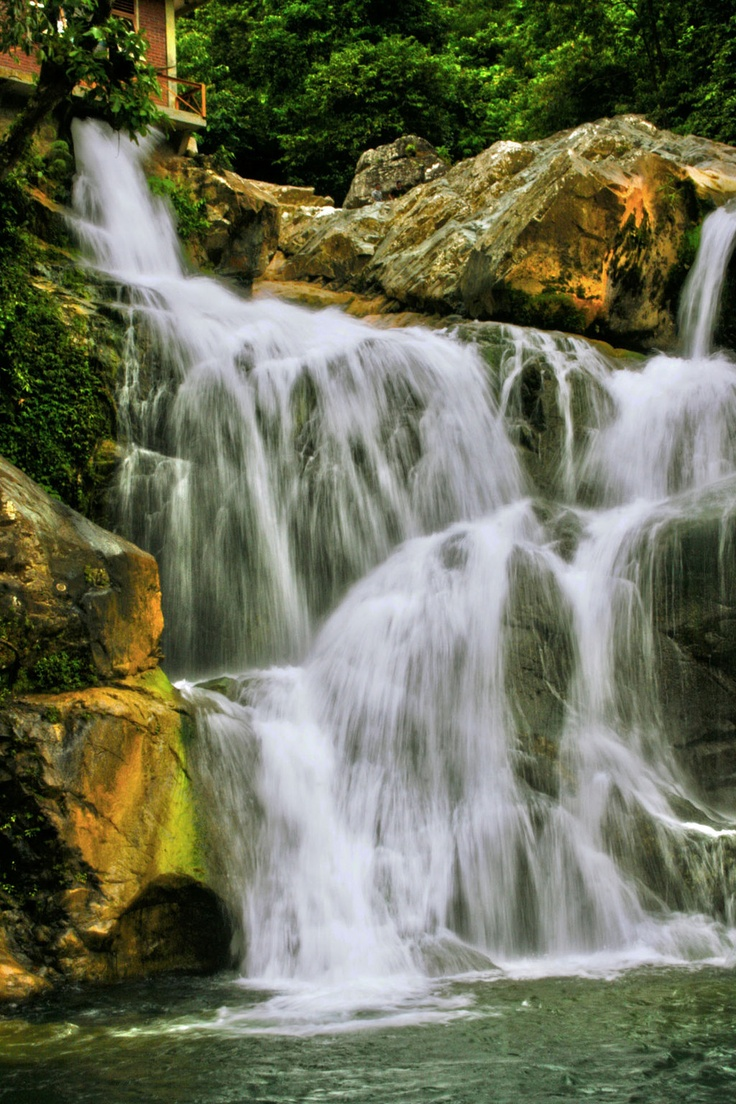 Waterfall in Lhoong, Aceh Besar www.nusatrip.com/id/tiket-pesawat/ke/banda_aceh_BTJ
