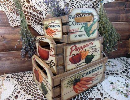 `Богатый урожай` Набор ящиков-продан-на заказ. Набор состоит из трех ящиков в стиле кантри для уютной кухни. Можно использовать для хранения овощей и фруктов, сушеных ягод, цукатов,специй и сушеных трав в мешочках, для хранения кухонной мелочи, поваренной книги,рецептов, заметок,рукоделия и т.