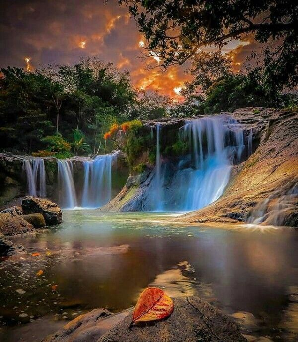 Pin By Alyssa On Places To Travel To Beautiful Waterfalls Waterfall Cool Pictures Of Nature