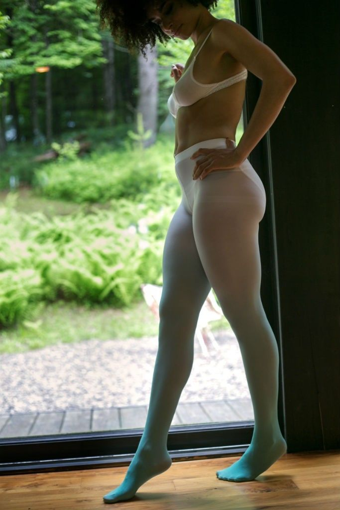 Between Pantyhose And Tights 110