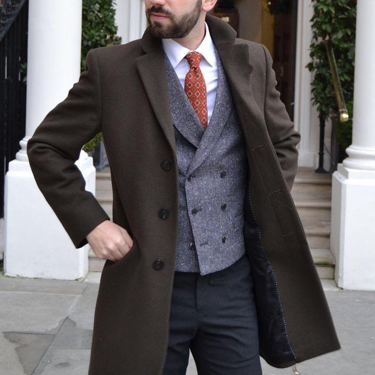 Details from last look #me #wiw #details #suit #suitandtie #suitandtiefixation #menswear #menstyle #fashion #classic #smart #dapper #gentleman #style #sartorial #bespoke #tie #mnswr #look #outfit #suitup #dressup #elegance #christmas #merry #winter...