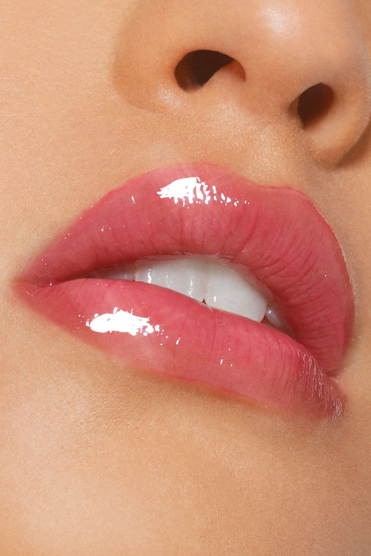 Pony auf -  Preis; $ 6 Farbe; Pony Up schiere violette Ultra Glossy Lip auf Modell  - #auf #GorgeousMakeup #Lips #NailArtGalleries   Best Picture For  lips makeup prom  For Your Taste  You are looking for something, and it is going to tell you exactly what you are looking for, and you didn't find that picture. Here you will find the most beautiful picture that will fascinate you when ca... #auf #Farbe #Glossy #Lip #lips #lips makeup #makeup looks #Mode #Pony #Preis #schiere #Ultra #violette