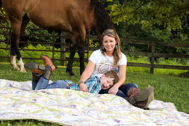 mother and son photo idea, mother and son photography, country family photography , western horse photography, copyright of pure southern photos Knoxville, TN photography, Knoxville, tn Photographer