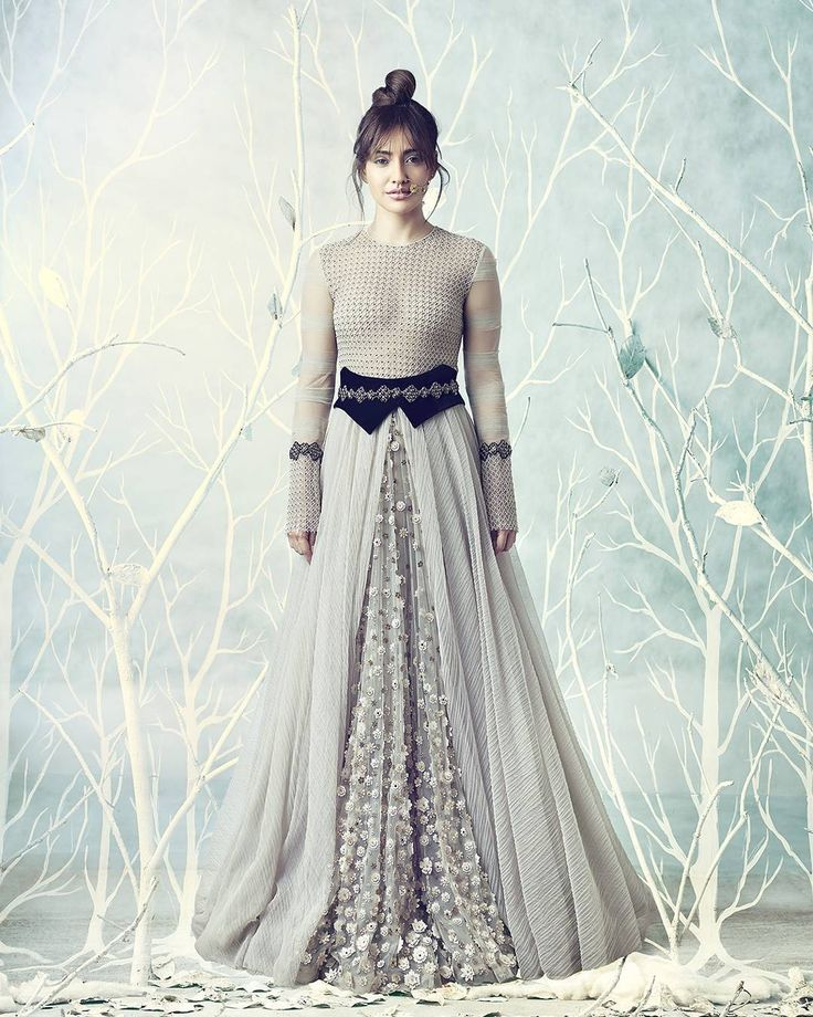Neha Sharma in Tarun Tahiliani for the @feminaweddingtimes