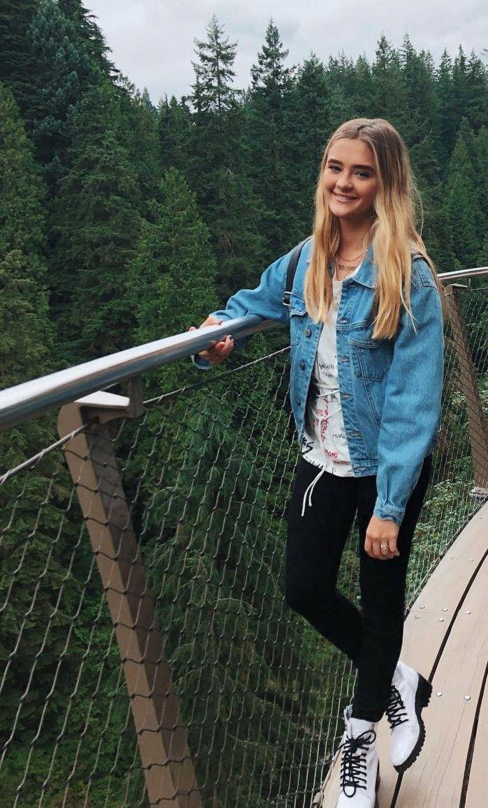 Dawn Brown, la hermana de 15 años de Demi. El amanecer no es como Demi. Ella ama t …   – Outfit ideen