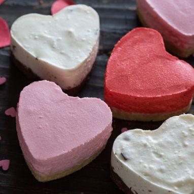 Hartvormige kwarktaartjes                              -                                  Kwarkhartjes voor valentijn of Moederdag.