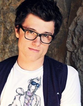 Josh Hutcherson! loveee the glasses:)