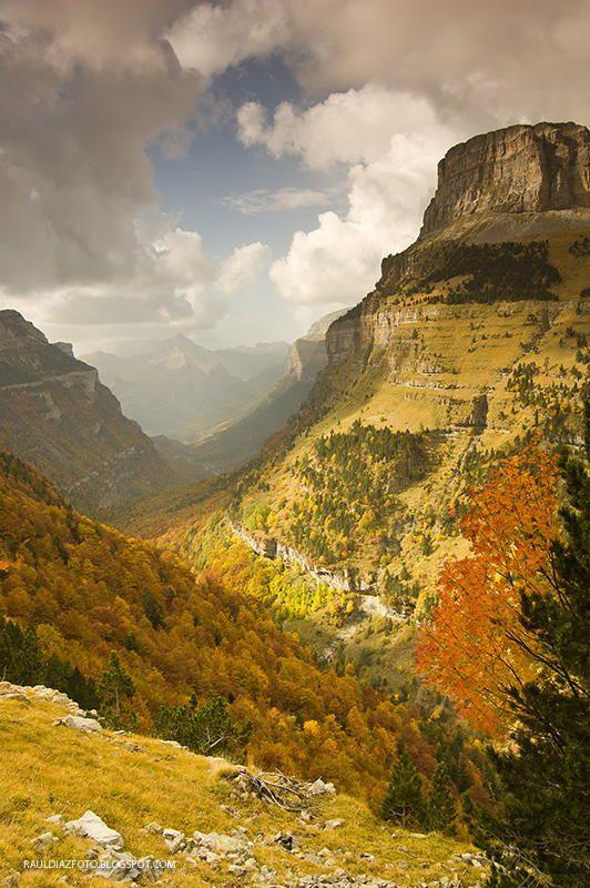 ~~Autumn in Ordesa, Otoño en Ordesa   Valley view from the Gaza Pelay, Ordesa y Monte Perdido National Park, Pyrenees, Aragon, Spain   by Raúl Díaz~~