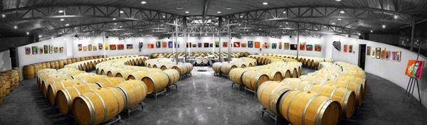 Découvrez le chai du château Grand Barrail Lamarzelle en réservant votre visite sur Wine Tour Booking
