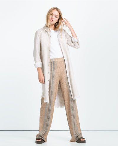 1000 id es sur le th me pantalon rayures sur pinterest pantalons pantalon ray et style. Black Bedroom Furniture Sets. Home Design Ideas
