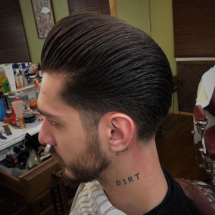 Slicked pomp #reuzelpink #reuzelpodame #oldschoolbarber #traditionalbarber #barberlife #dima_bolotov #die_apotheke