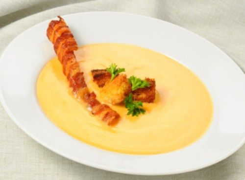 Houston's Cheese Soup. Serve this soup with a crusty piece of garlic bread for an amazing meal. #copykat