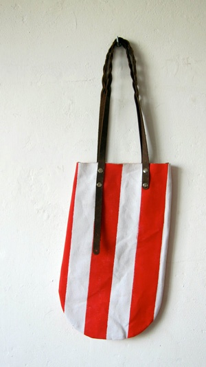 canvas bag: Red Whit Stripes, Canvas Bags, Bags Shoes Accessories, Bags Stor, Bags Uncovet, Bags A Hol, Bags Canvas, Bags Bags, White Stripes