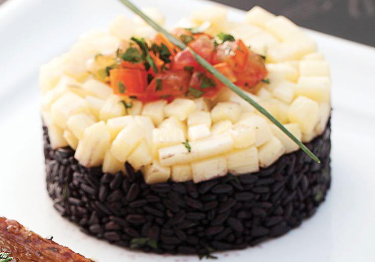 Receita do masterChef Fogaça: arroz negro com pupunha