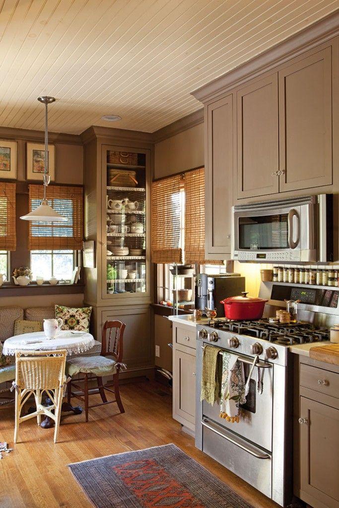 Cottage decor: Kitchen | Jack and Charm via The Cottage Journal