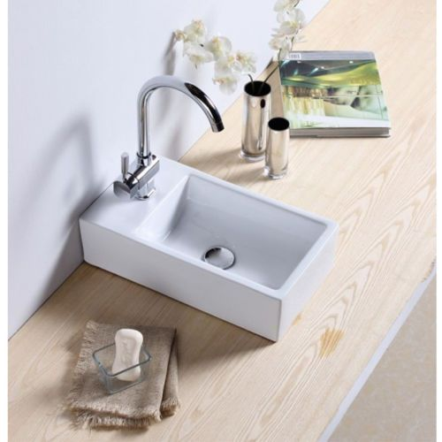Never thought of turning a cloakroom sink this way around... would be perfect in the corner of the laundry room!