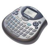 MAQUINA DYMO LETRATAG LT-100T. Máquina Dymo Letratag LT-100T.  Teclado ergonómico, sistema de entrada tipo SMS de los teléfonos móviles. Imprime con 3 tamaños de caracteres, además de muchas funciones como centrado,  sombreado de texto, letra cursiva...Utiliza pilas AA o adaptador (D40076).
