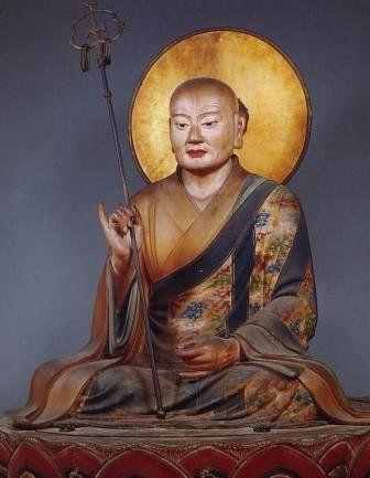 東大寺僧形八幡神像:重源の依頼で、快慶が制作した。東大寺鎮守八幡宮の神体で、写実的な鎌倉彫刻。