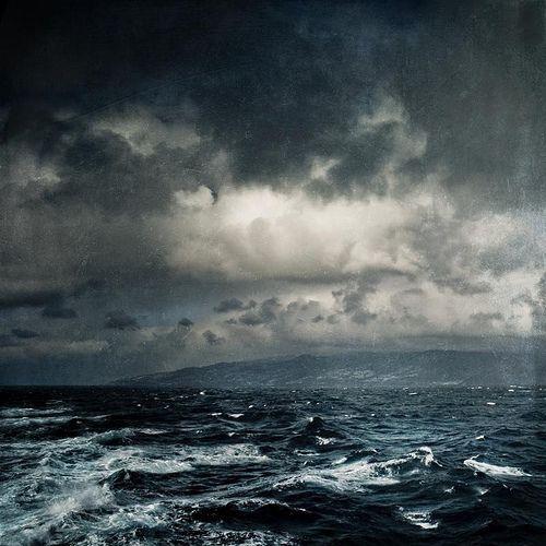 Atormy seas black and blue