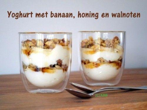 Yoghurt met banaan, honing en walnoten, recept Xandra bakt brood.nl