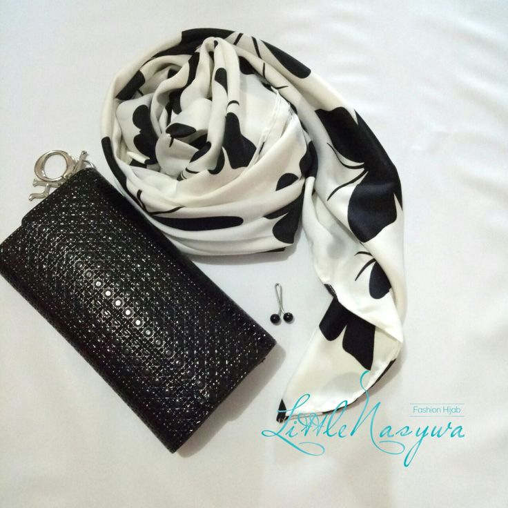 Nasywa Snood Butterfly White