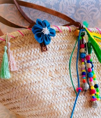 Tas maken- pimp je tas in Ibiza stijl- http://www.galerie-lucie.nl